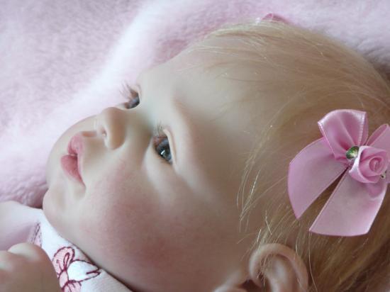 Marie, merveilleuse petite fille blonde