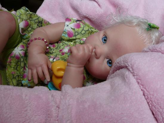 Amandine, née du kit Krista